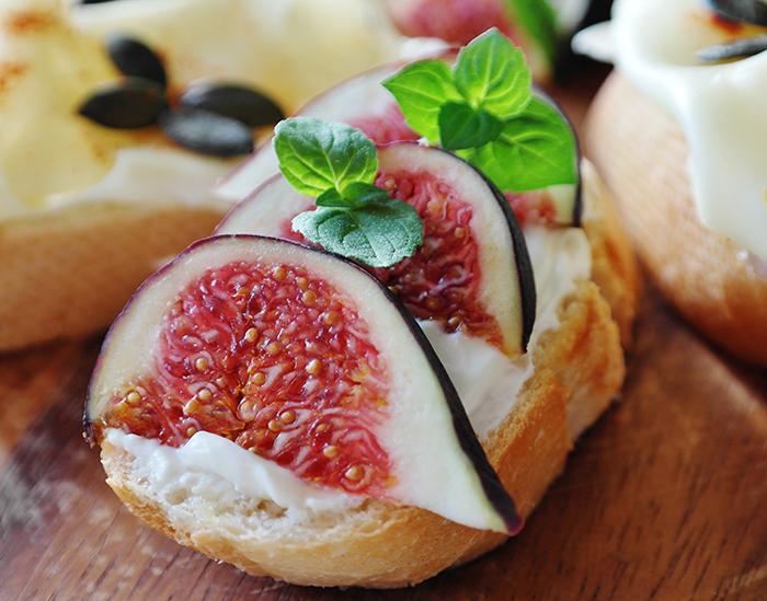 Stracchino and Figs